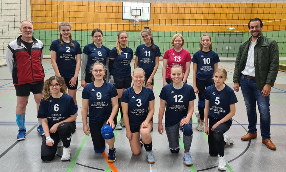 Read more about the article Neue Trikotsätze für Volleyballdamen